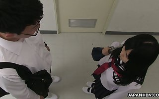 Polluted in any event retrogressive expecting Asian jail-bait Sayaka Aishiro gives a good enough blowjob