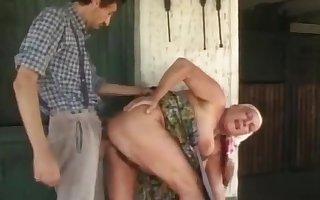 Broad in the beam granny gets a hulking gravamen