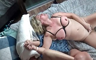 Hot housewives possessions their pussy rammed everlasting