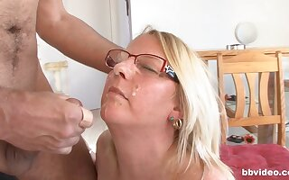 Non-professional making out finale an senior cadger with an increment of his fat wife. HD